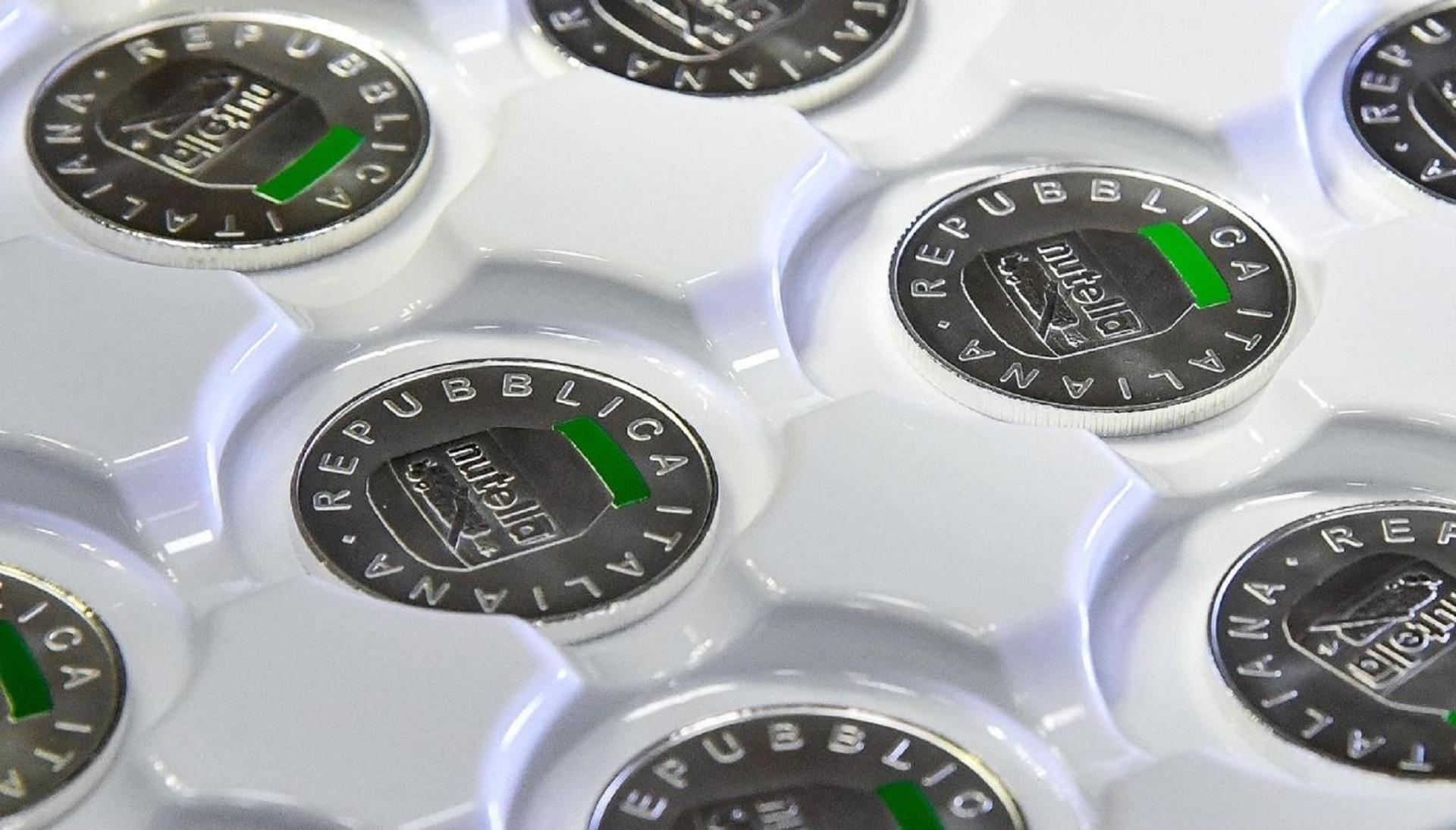 Nasce la Nutella d'argento, la Zecca dello Stato omaggia la crema spalmabile con una moneta da 5 euro