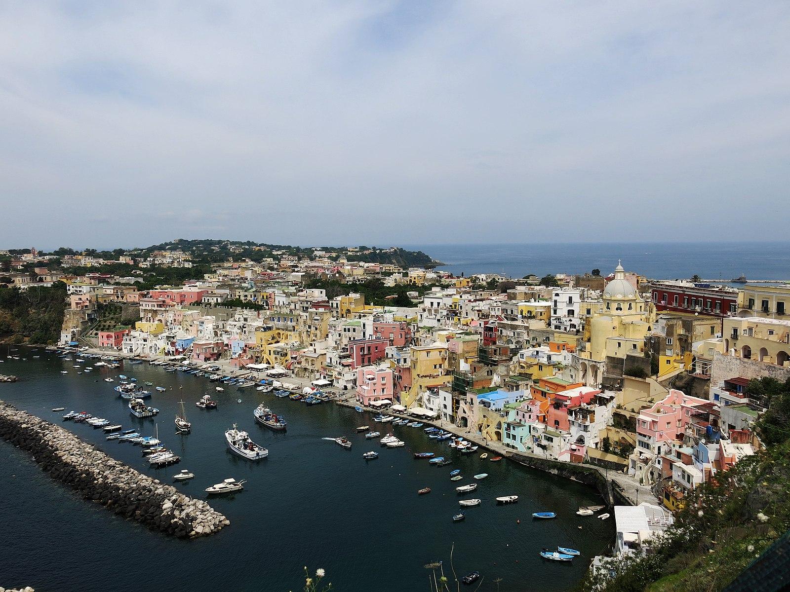 SaràProcida la Capitale italiana della cultura nel 2022. Franceschini: «Cultura e turismo torneranno fortissimi»