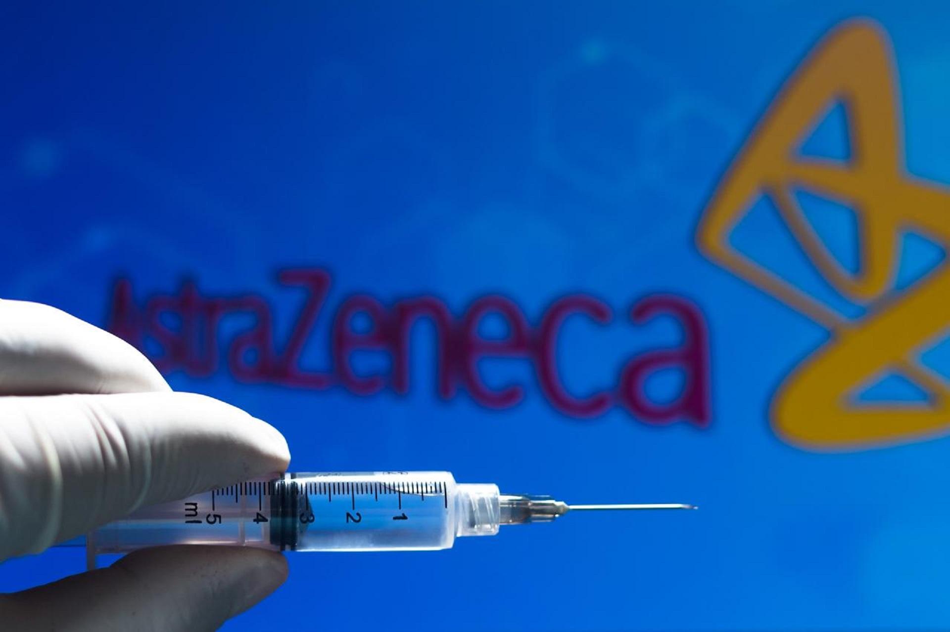 Il vaccino di AstraZeneca solo agli under 65: la decisione del governo tedesco alla vigilia del verdetto dell'Ema