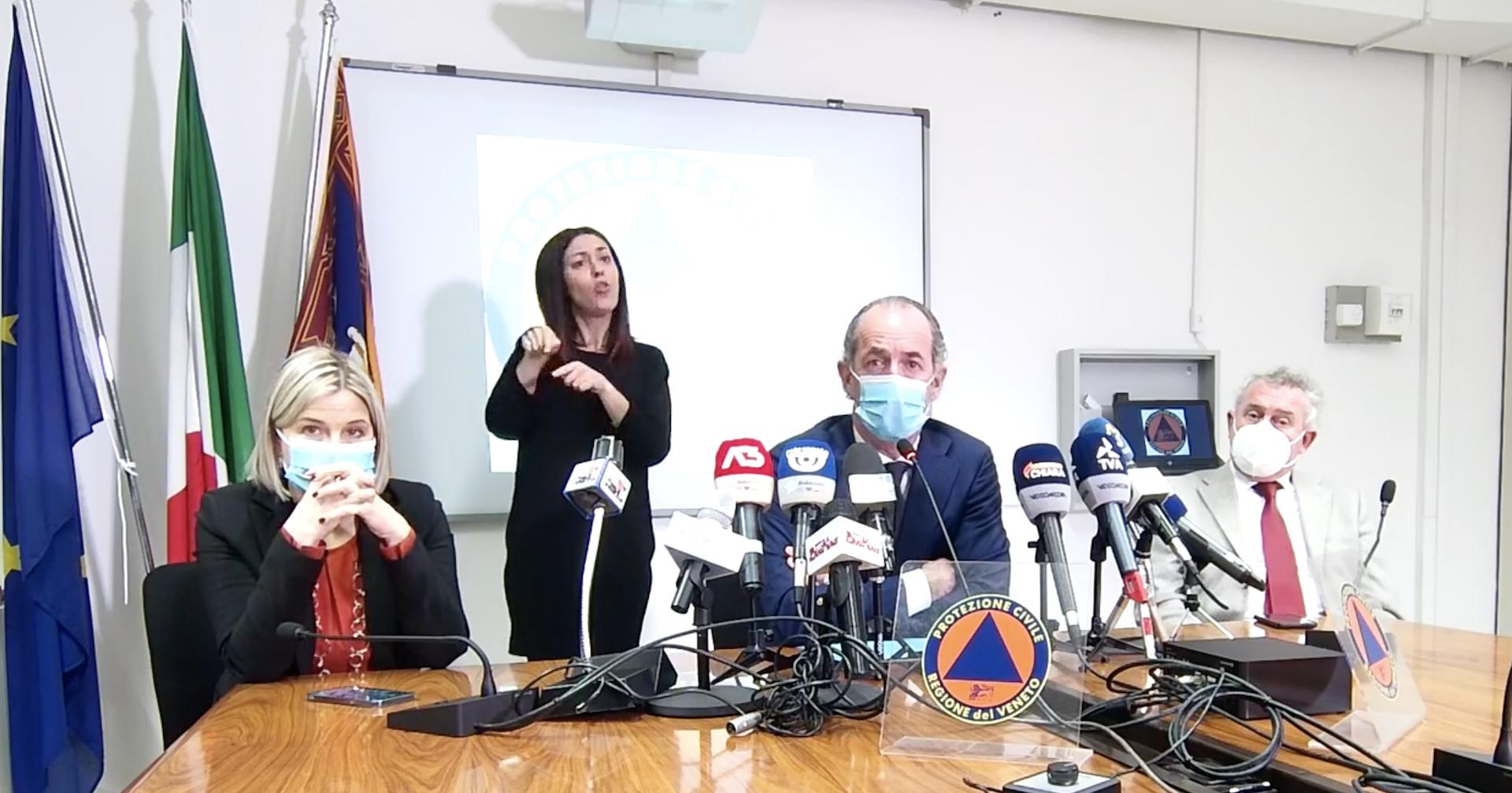 Coronavirus in Veneto, 1.359 nuovi positivi e 69 morti. Zaia: «La scuola è una forma di assembramento» – Il video