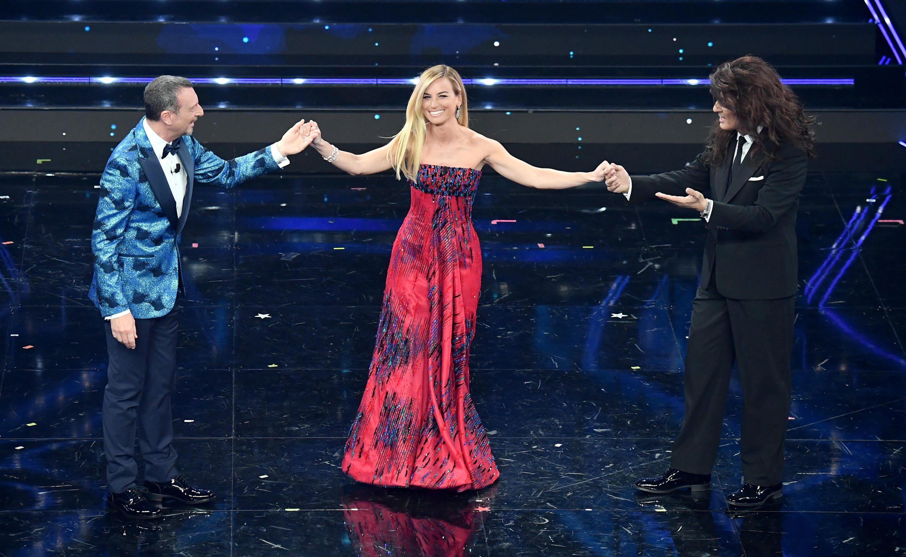 Beatrice Venezi: «Direttrice d'orchestra? Meglio direttore». Scoppia il dibattito sui social