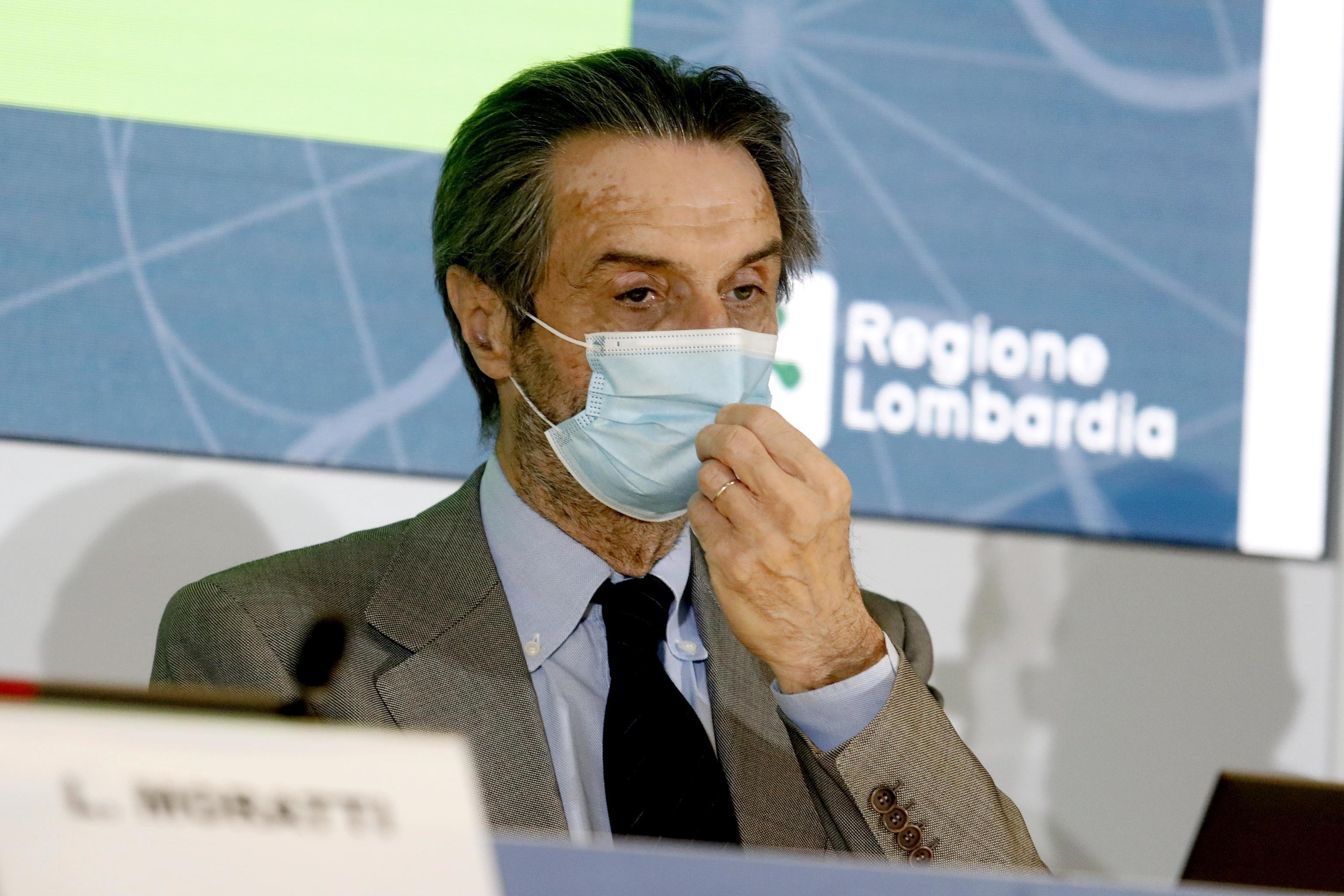 Lombardia, Fontana chiede le dosi di AstraZeneca avanzate: «Figliuolo pronto alla redistribuzione»