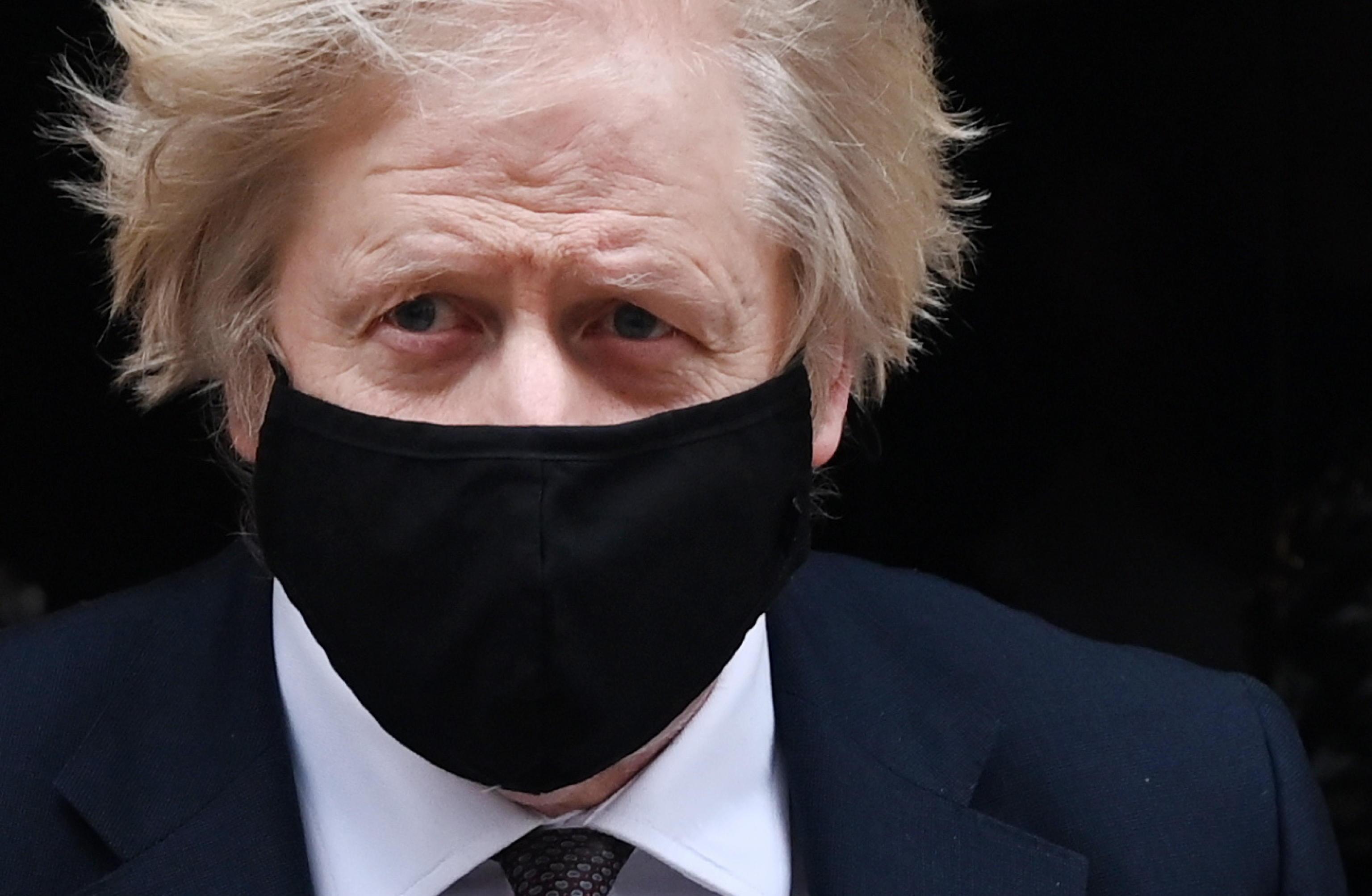 Boris Johnson valuta una legge contro la Superlega: nel mirino i visti dei giocatori. Il Chelsea rischia già di mollare il progetto