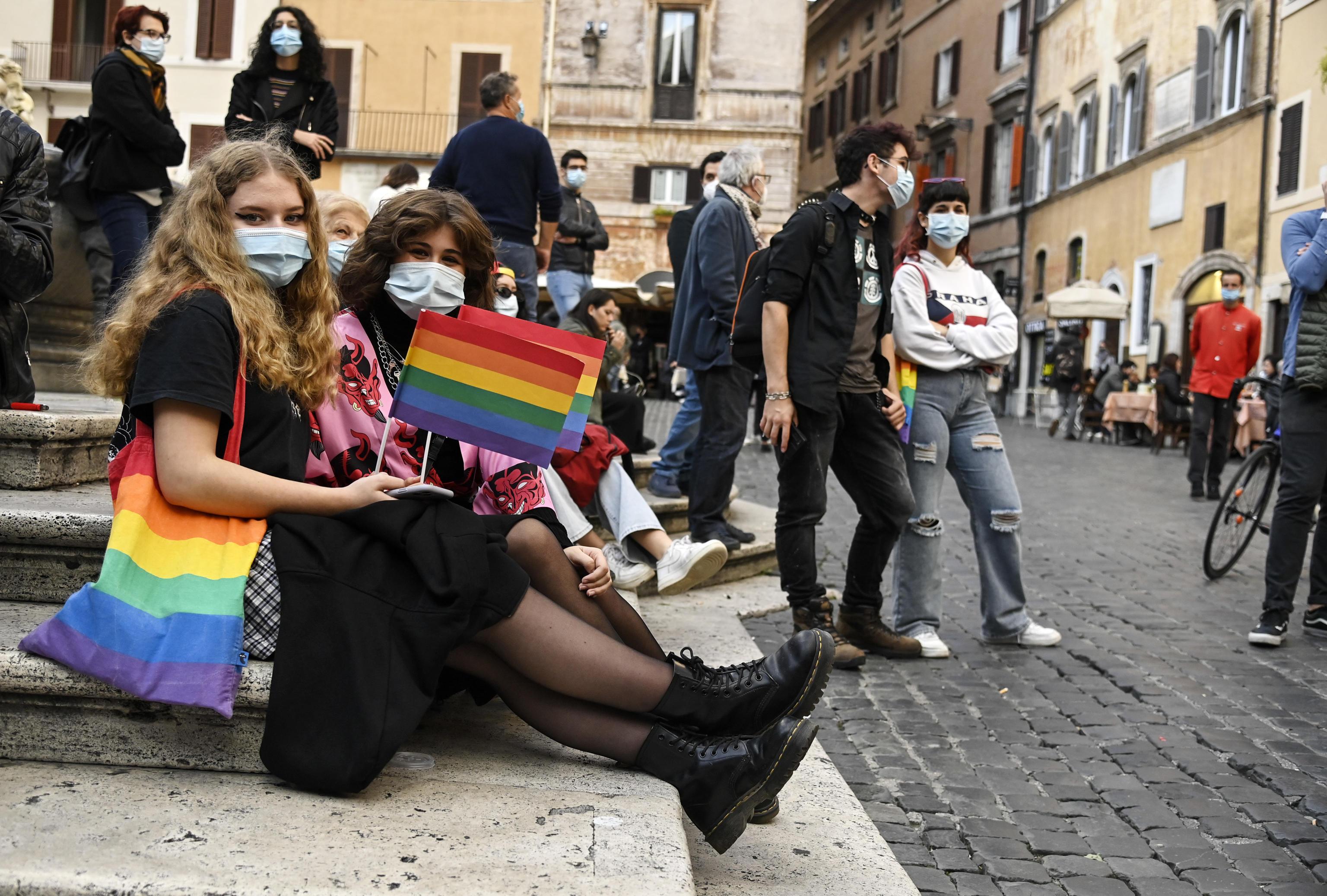 Ddl Zan, anche Francesca Pascale in piazza a Milano: «FI è contro. Non la voterò più»