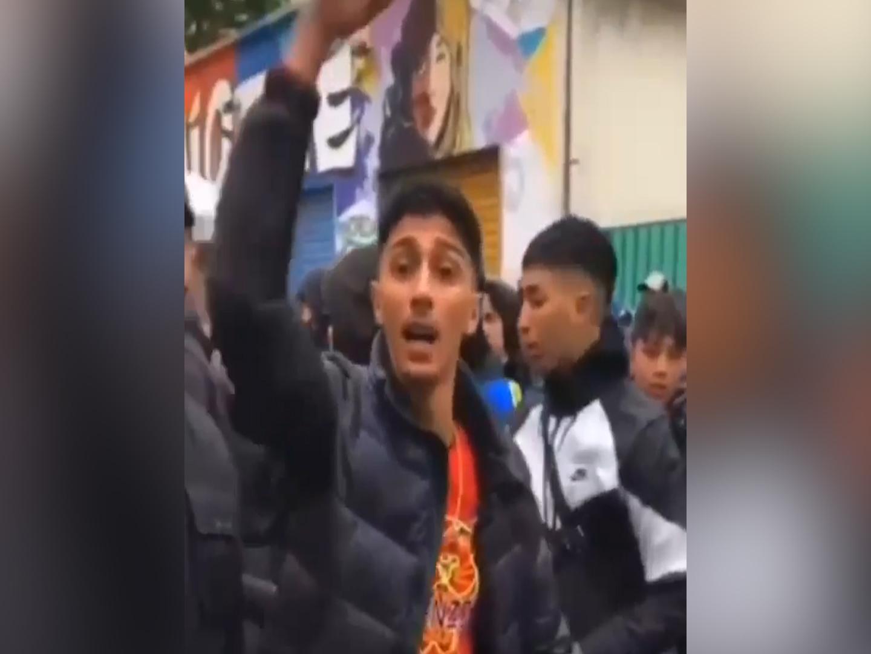 In 300 a Milano per il video del rapper Neima Ezza (ammassati e senza mascherina): sassaiola e scontri con la polizia – Il video