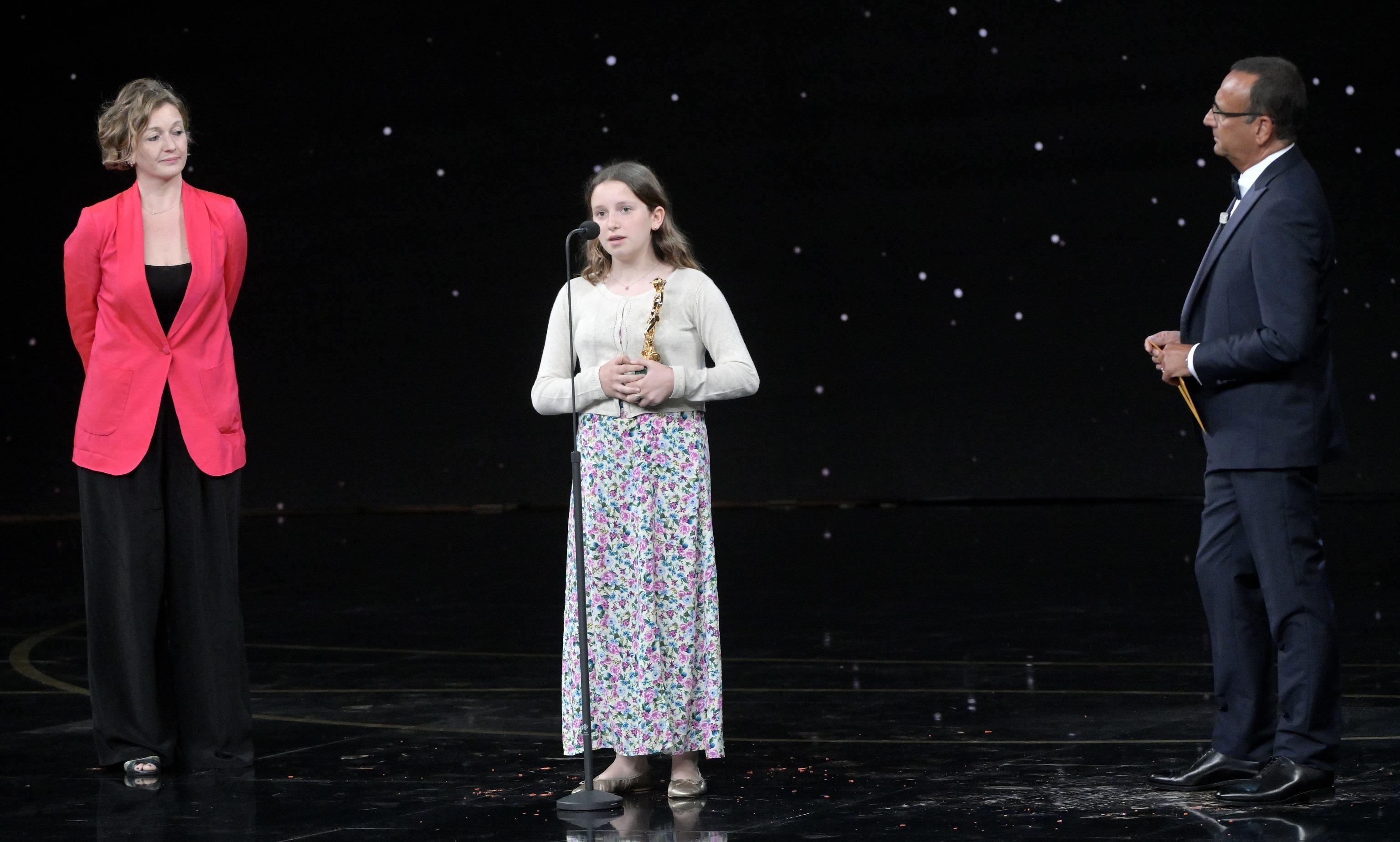 La figlia di Mattia Torre ritira il premio per suo padre: il saluto che commuove il pubblico dei David  – Il video
