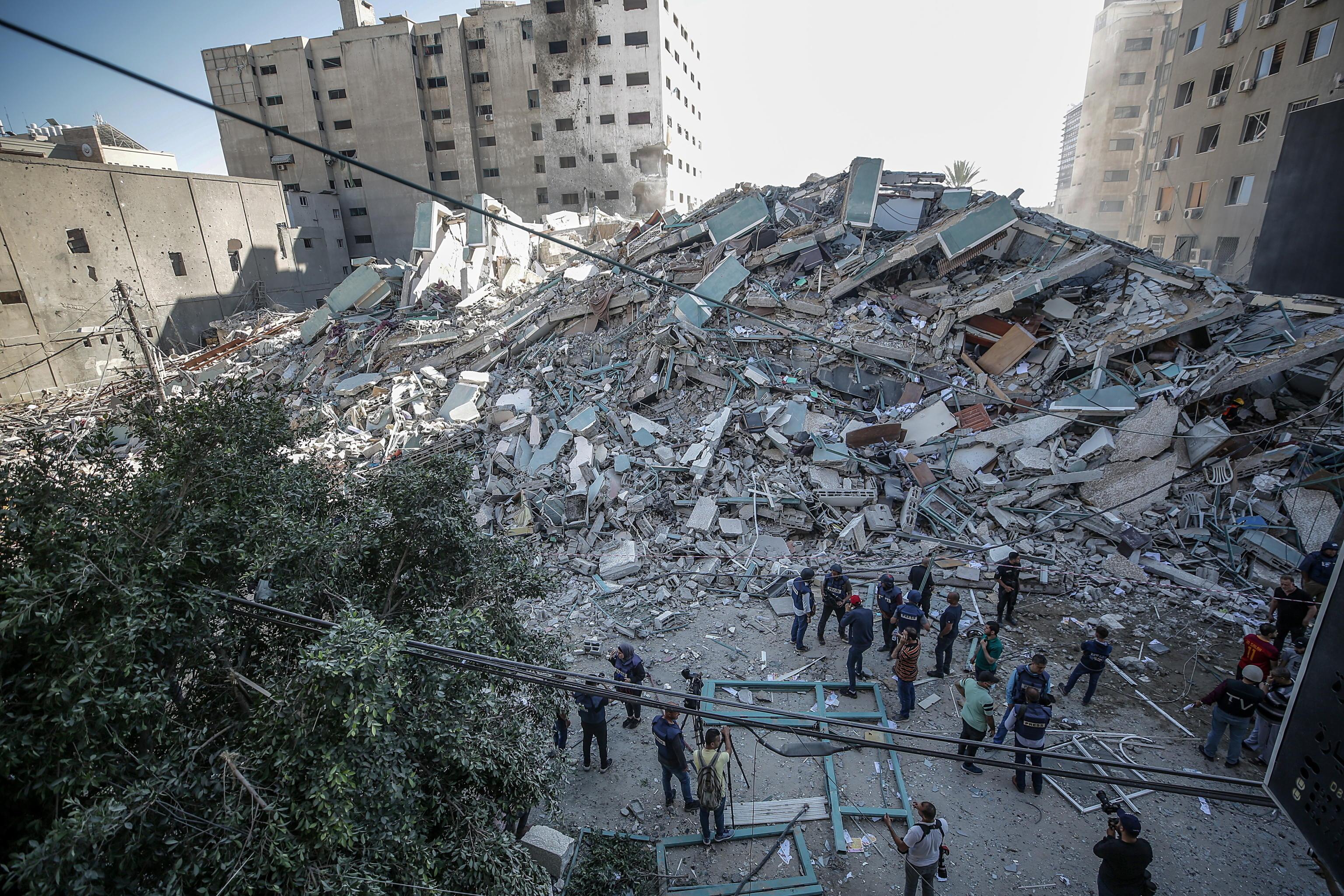 Israele, Hamas cessa il fuoco ma annuncia possibili attacchi su Tel Aviv dalla mezzanotte. Biden protesta con Netanyahu per il numero di vittime