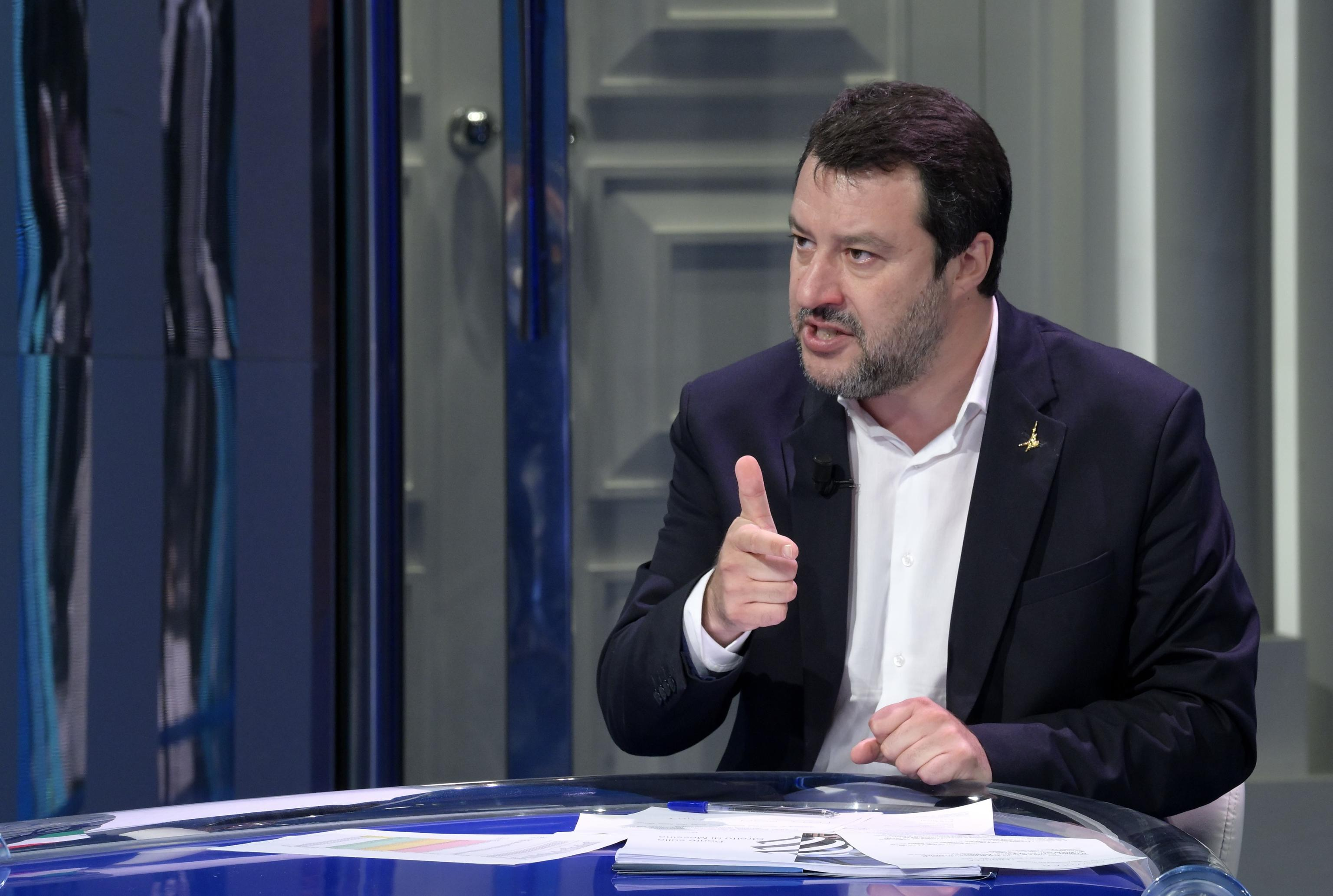 La memoria lunga dei fan di Battiato si ritorce contro Salvini, quando il leghista scrisse: «Grande artista, piccolo uomo»