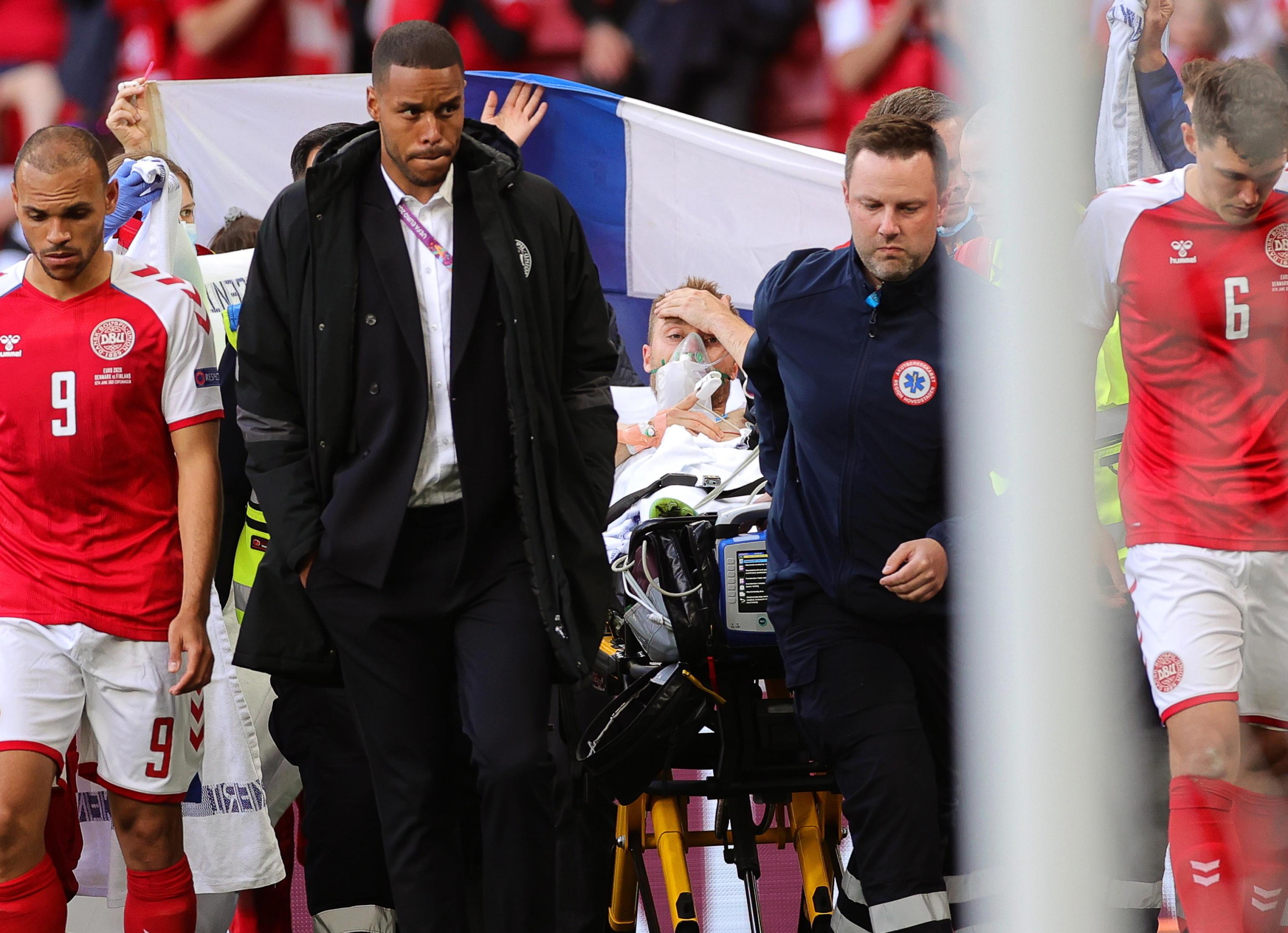 Come sta Eriksen? Il punto sulle condizioni dell'asso danese dopo il malore a Euro 2020. Il medico della squadra: «Si è aggrappato alla vita»