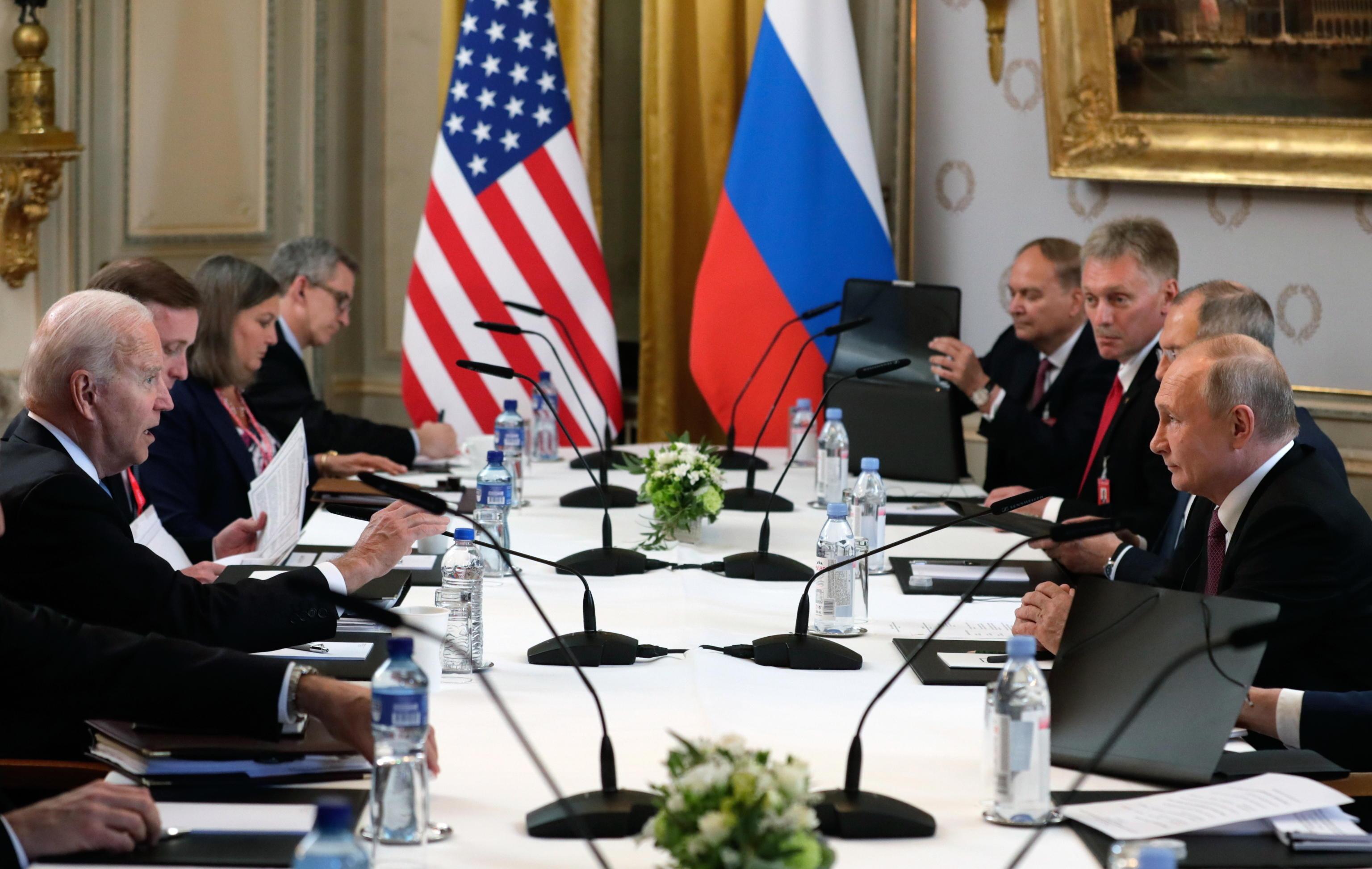Vertice Putin Biden, il presidente russo: «Meeting costruttivo, c'è accordo per il ritorno degli ambasciatori. Collaboreremo sui cyberattacchi» – Il video