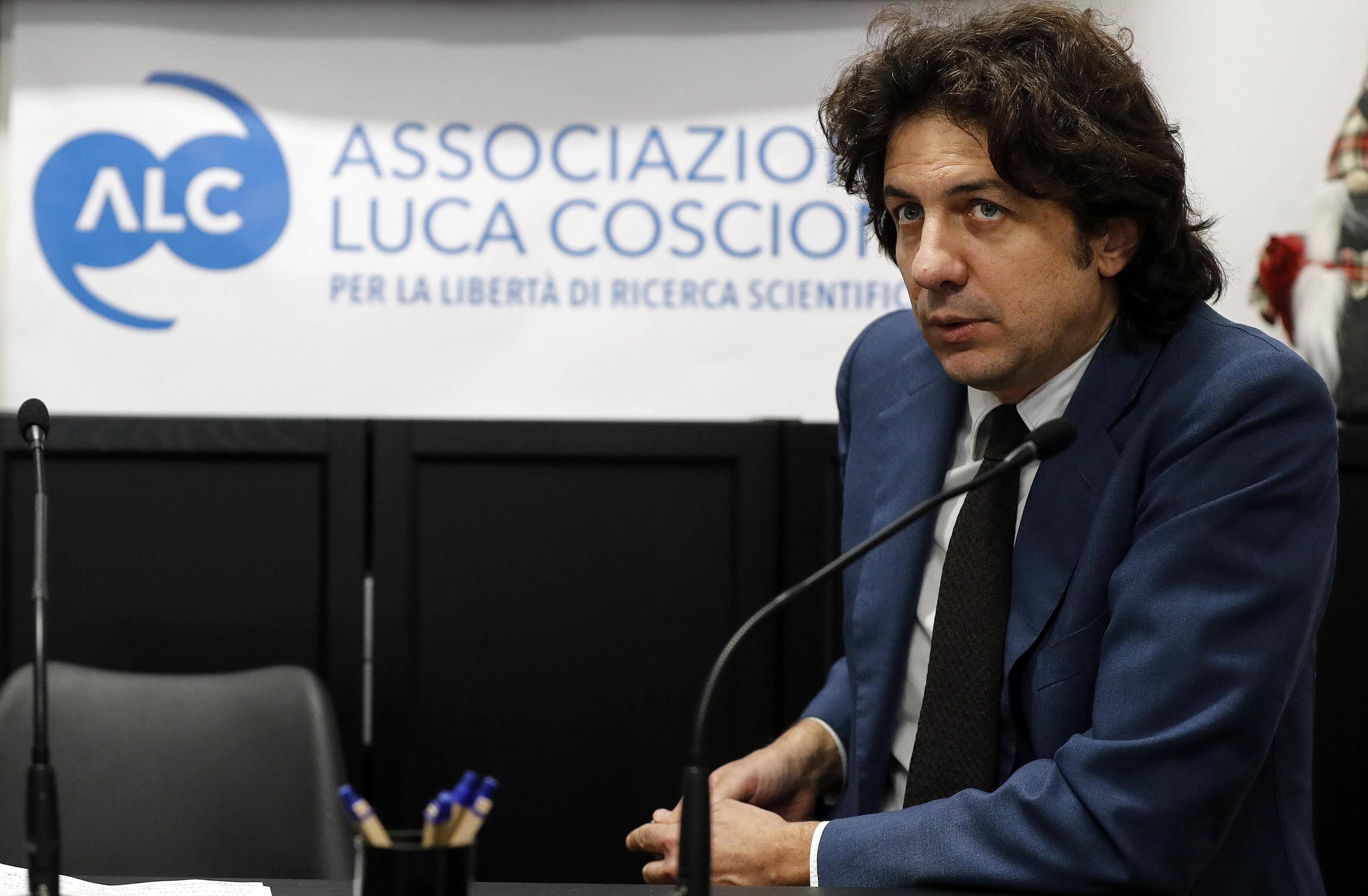 Il Tribunale di Ancona apre  alla possibilità di suicidio assistito: è la prima volta in Italia