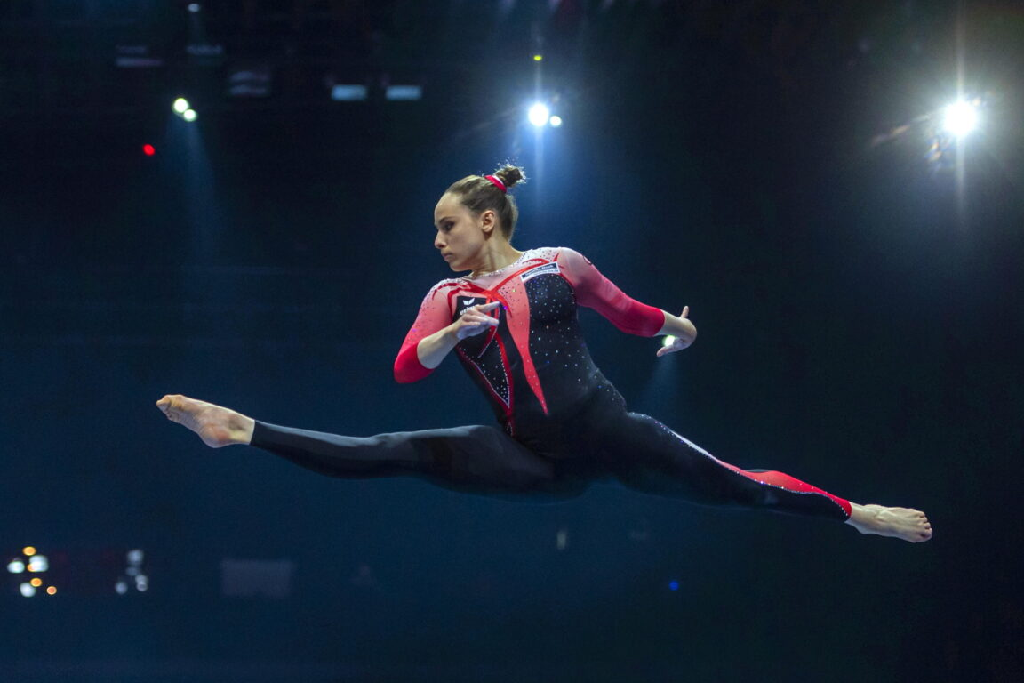 La ribellione al body delle ginnaste tedesche | in gara con la tuta lunga| «Basta sessualizzare i nostri corpi»