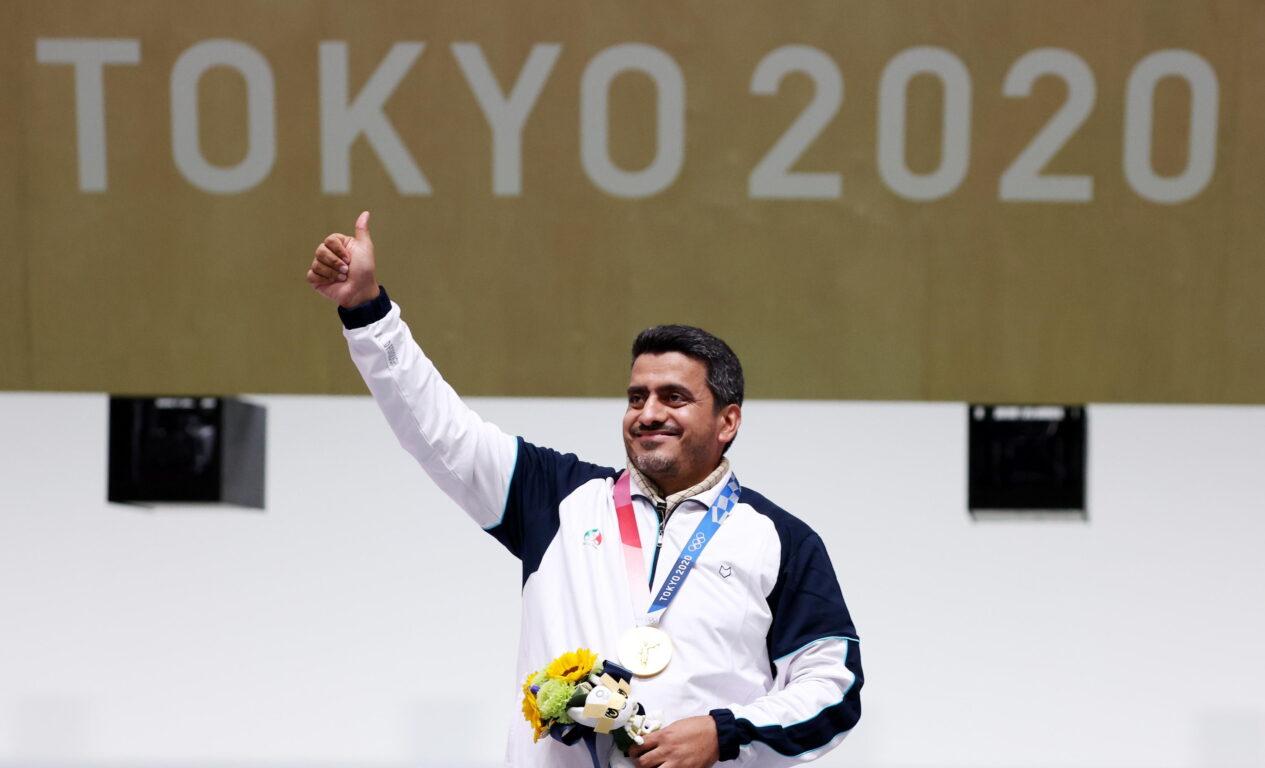 «Quell'atleta è un terrorista» | scoppia il caso a Tokyo sull'oro dell'iraniano nella pistola