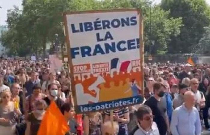 francia manifestazioni green pass obbligatorio