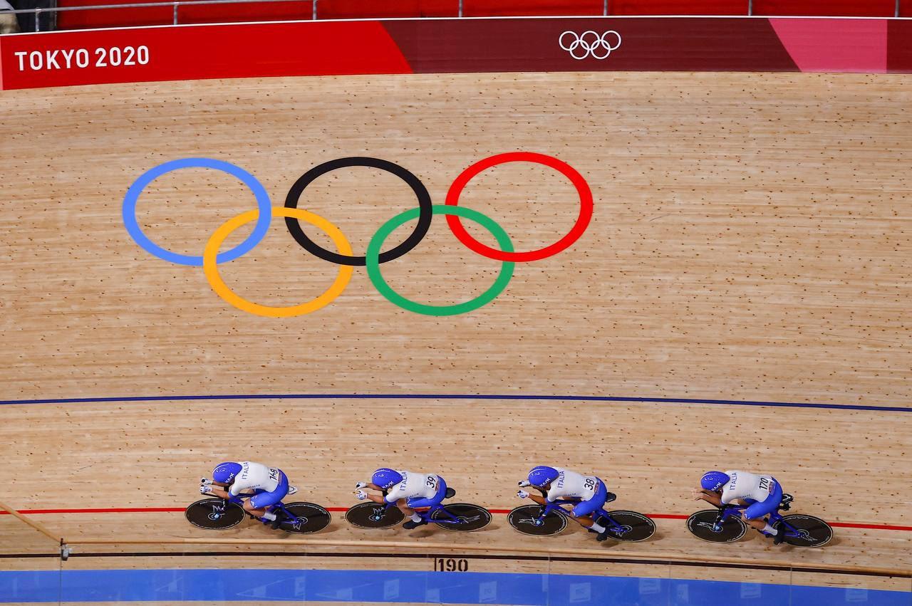 Tokyo 2020, ciclismo su pista: oggi l'Italia a caccia dell'oro. Il volley femminile si gioca la semifinale contro la Serbia