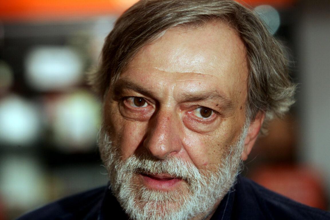 L'ex dei Pink Floyd David Gilmour ricorda Gino Strada: «Ha fatto cose incredibili». Patti Smith: «Un santo moderno»
