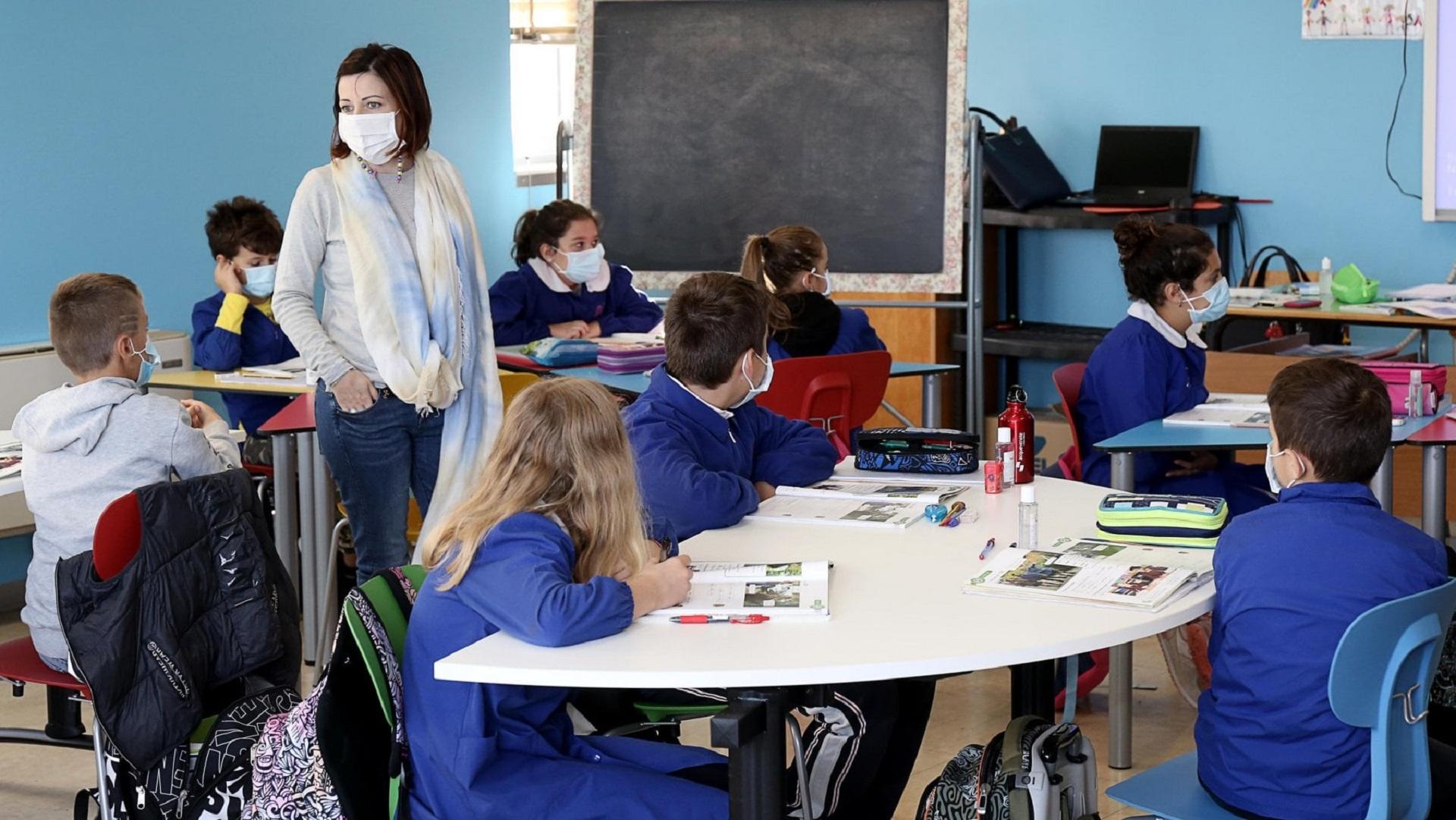 Green pass, il governo lima gli ultimi dettagli: verso l'obbligo per personale scolastico e studenti universitari